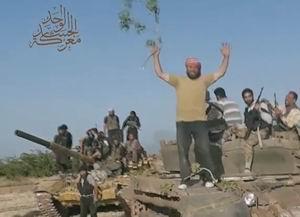 Hama'da Askeri Bir Üs Ele Geçirildi (VİDEO)