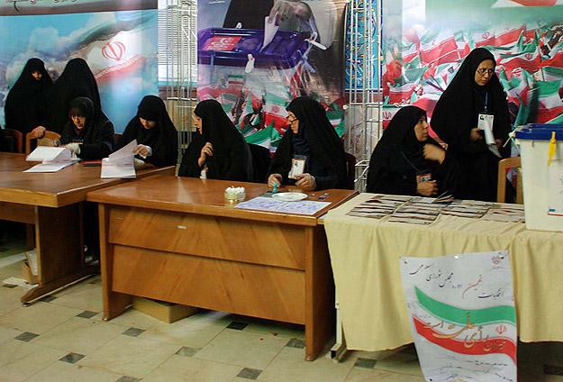 İran Seçimlerinde İlk Sonuçlar Geldi