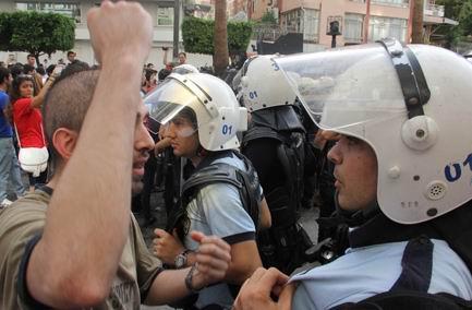 Geziciler Sahte 'Kız Kardeş' Türettiler