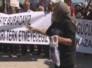 Zahide Nineden Eylemcilere Tepki (VİDEO)