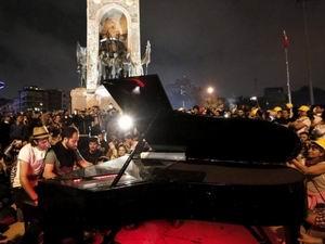 Martello Ergenekon İçin Piyano Resitali Verdi!