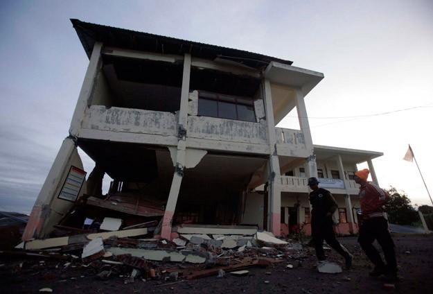 Endonezyada Deprem: 22 Ölü