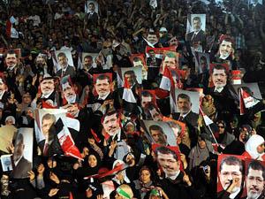 Mısır'da Milyonlar Meydanlarda Direniyor!