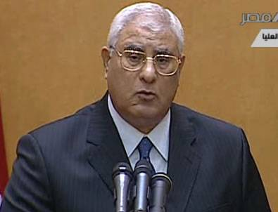 Adli Mansur Hükümetin İstifasını Kabul Etti