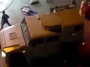 Mısırda Asker Göstericiye Ateş Etti