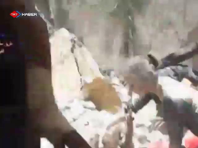 Bombardıman Enkazından İnanılmaz Kurtuluş