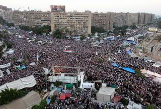 Baskılara Rağmen Yüz Binler Yine Adeviyye'de