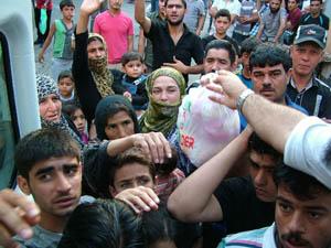 İMKANDERden Suriyeli Muhacirlere Yardım