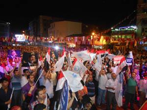 Esenler Halkı Mısır Darbesini Protesto Etti