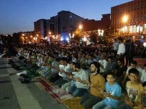 Gençler Suriye ve Mısır İçin Bir Araya Geldi