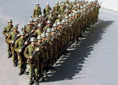 500 Bin 'Kaçak' Askere Alınacak