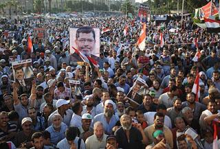 Mısır'da Darbe Karşıtlarına Saldırı
