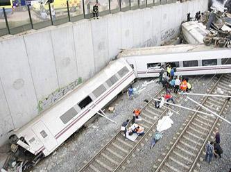 İspanya'daki Tren Kazasında 78 Kişi Öldü