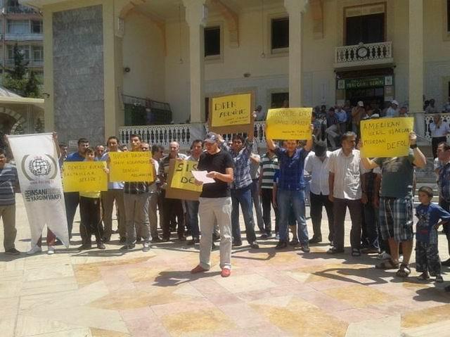 Denizli'de Mısır'daki Katliam Protesto Edildi