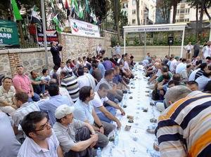 Bursa'da Ümmet İftarı Gerçekleştirildi