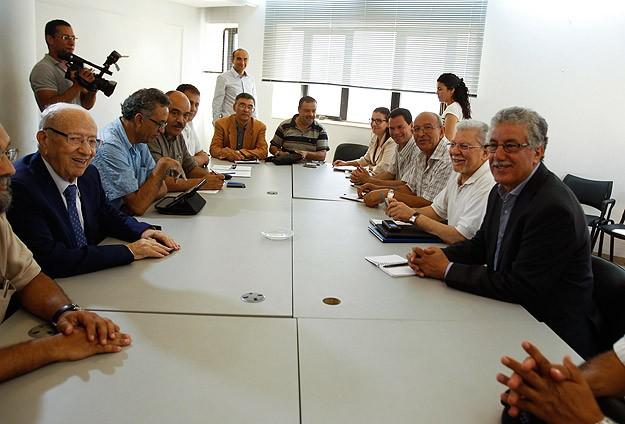 Tunus Sekülerleri Meclisin Feshinde Israrlı