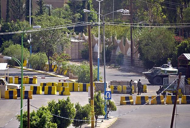 Yemende Kontrol Noktasına Saldırı: 5 Ölü