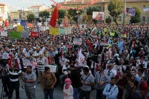 Konya'da Binler Sisiye Lanet Yağdırdı!