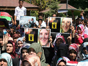 Vanda Mısır ve Suriye Protestosu