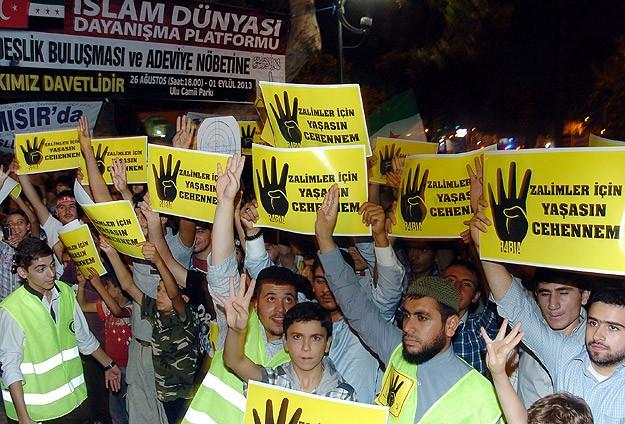Katliamlara Karşı Protestolar Sürüyor