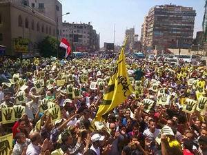 Mısırda Halk Sokaklarda; Şehit Haberleri Geliyor!