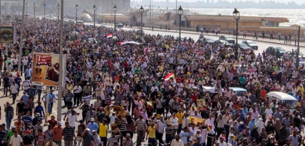 Mısırda Halk Devrimini Yeniden Kazanıyor (FOTO)