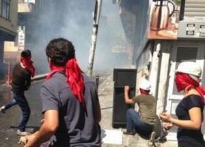 Okmeydanı'nda Geziciler Polisle Çatıştı
