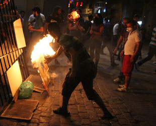 Taksim'deki Eylemlerde Çatışma Yaşandı