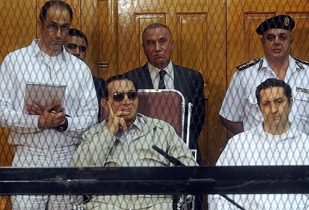 Mübarek ve Oğulları Tekrar Ceza Mahkemesinde