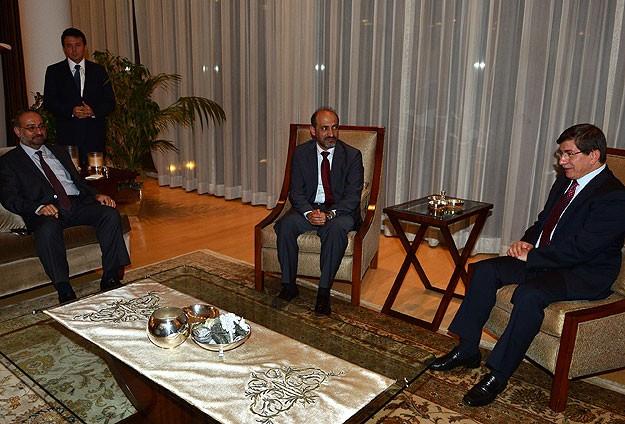 Davutoğlu SMDK Yetkililerini Kabul Etti