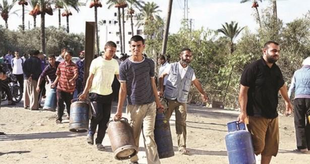 Gazze Çift Taraflı Ambargodan Dolayı Felç!