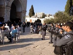Siyonistler El-Aksa Görevlisini Gözaltına Aldı