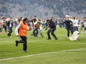 Vandallar Gezi Ruhuyla Sahaya Girdiler!