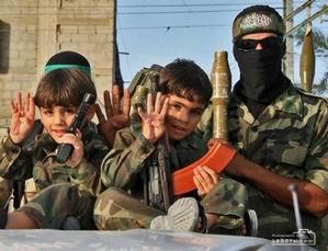 Kassam Tugayları Gazze Sokaklarında (FOTO)