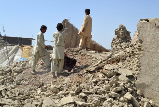 Depremde Ölenlerin Sayısı 328e Yükseldi