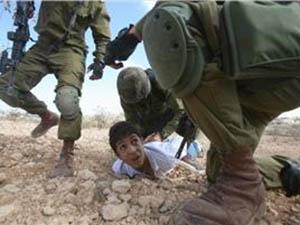 Filistinde 13 Yılda 10 Bin Çocuk Tutuklandı