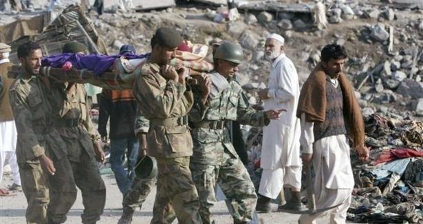 Pakistanda Bombalı Saldırılar: 29 Ölü