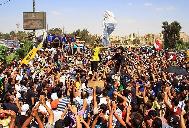 Darbenin 100. Gününde Hedef Tahrir Meydanı