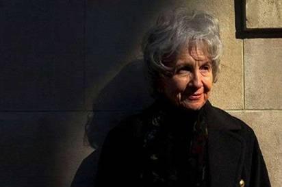 Nobel Edebiyat Ödülü Kanadalı Kadın Yazarın