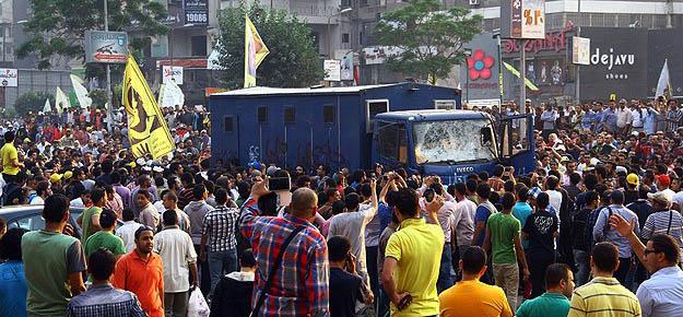 Mısırlı Hacılar Arafe Günü Darbecilere Karşı Yürüyecek