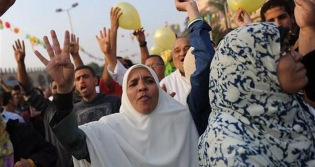 Mısır'da Bayram Namazı Sonrası Protesto