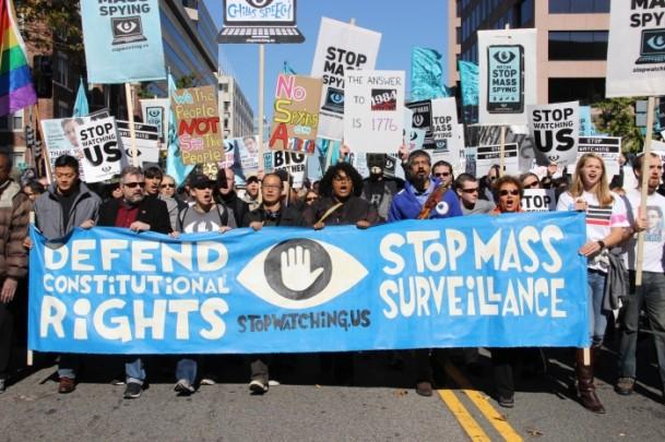 """Washington'da """"Bizi İzlemeyi Durdurun"""" Yürüyüşü"""