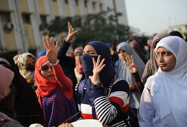 Ezher Üniversitesi'nde 6 Kız Öğrenciye Gözaltı