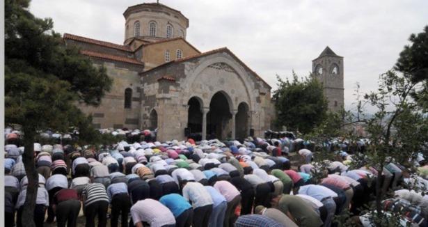 MHP'den 'Ayasofya Açılsın' Teklifi