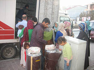 Suriyeli Ailelere Soba Dağıtıldı