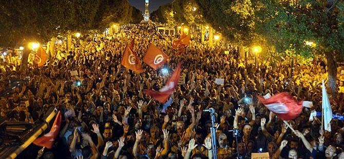 Tunus'ta Başbakanlığa Mehdi Cuma Seçildi