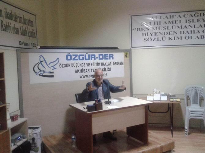 Akhisar'da 'Türkiye'de Modernleşme Projesi' Semineri