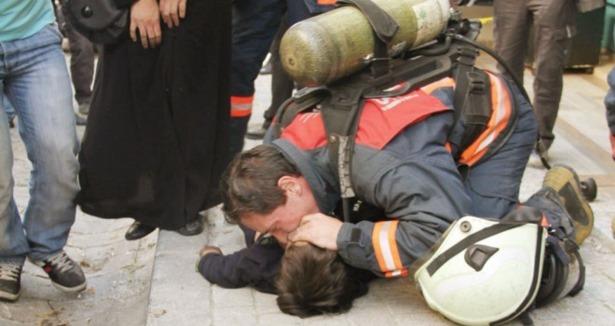 Suriyeli İkizleri Yangın Ayırdı