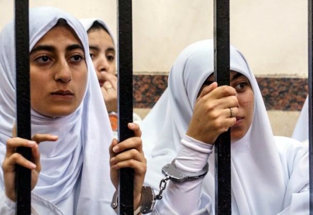 Darbe Karşıtı Kızlara 11'er Yıl Hapis Kararı