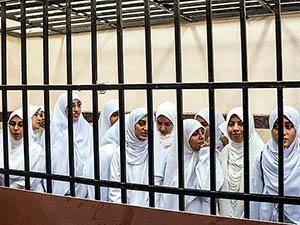 Mısır'da 14 Kıza 11 Yıl Hapis Kararına Tepki